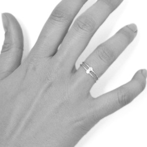 ring-double-dot-hand
