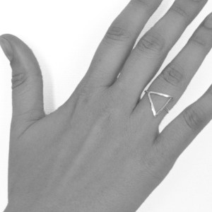 ring-open-triangle-hand