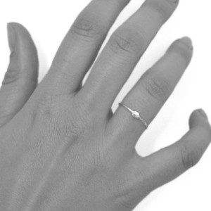 ring-silver-dot-hand