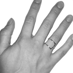 ring-closed-triangle-hand